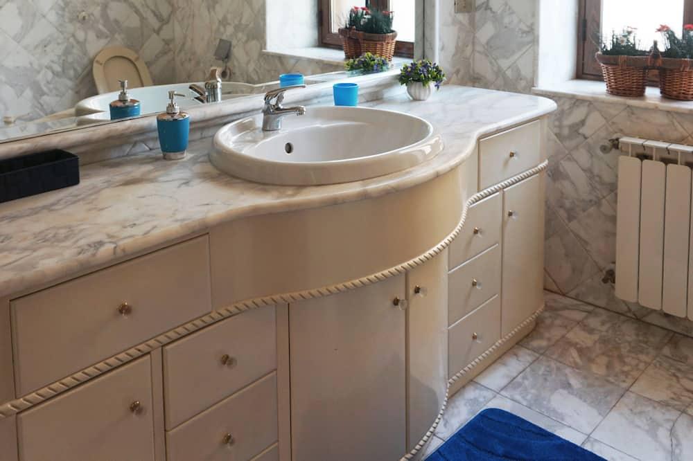 Deluxe Double Room (Empedocle) - Bathroom