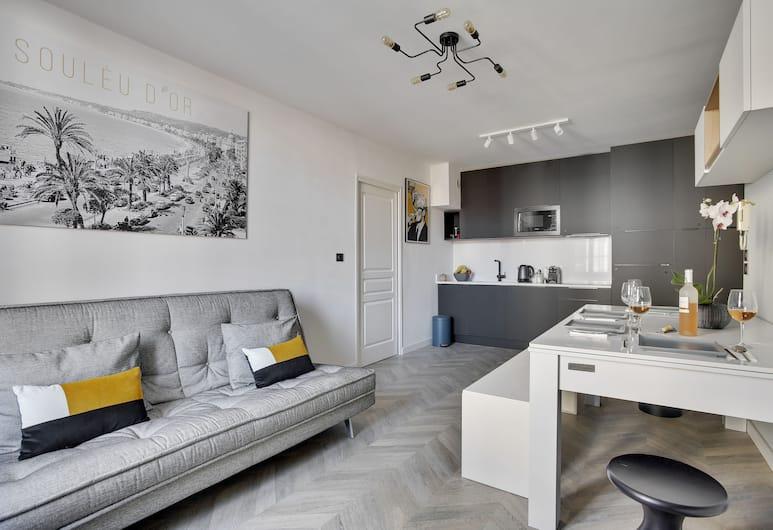 Grand 2 pièces moderne rue d'Antibes, Cannes, Appartement Design, 1 chambre, Coin séjour