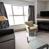 Квартира, гидромассажная ванна (Apex Mountain Inn 224) - Гостиная