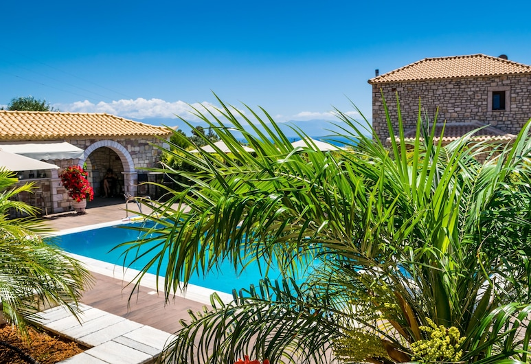 Liokrina Luxury Villas, بيلوس نيستوراس, حمام سباحة