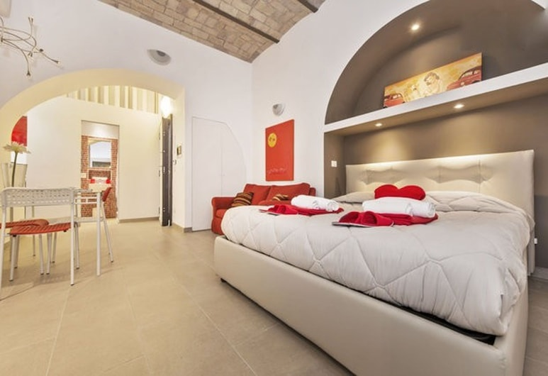 黃與紅公寓飯店, 羅馬, 開放式客房, 1 張加大雙人床和 1 張沙發床 (Red), 客房