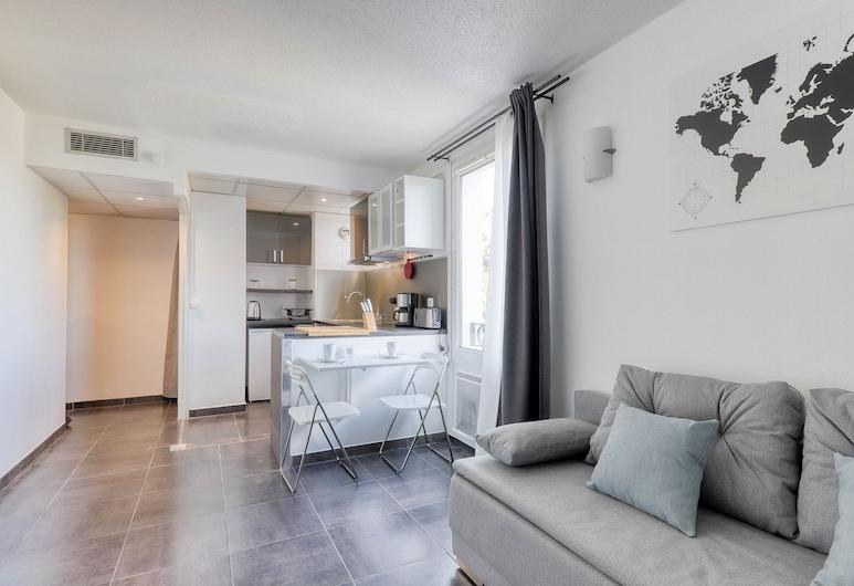 Les Moulins Sleepngo, Magny-le-Hongre, Apartment, Living Area