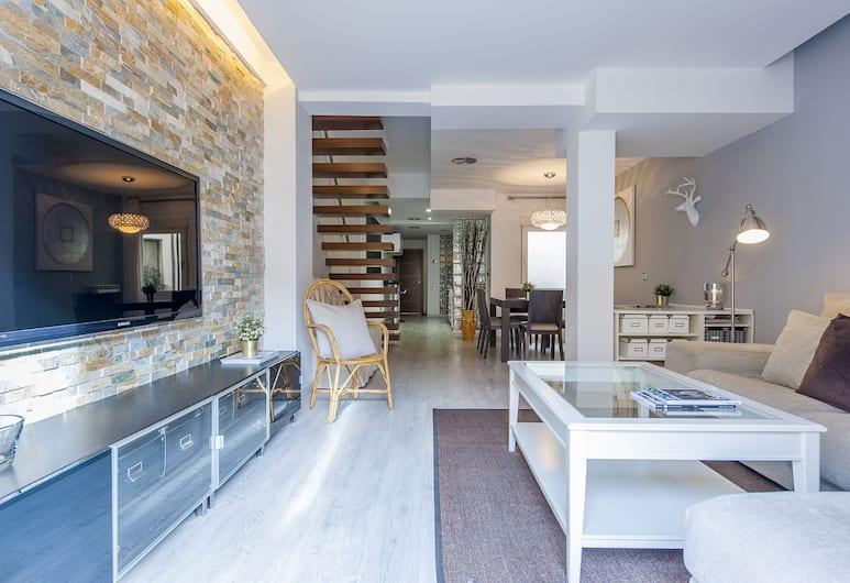 Hellenhost Dúplex Bernabéu Deluxe, Madrid, Deluxe-huoneisto, 2 makuuhuonetta, Terassi, Kaupunkinäköala, Oleskelualue
