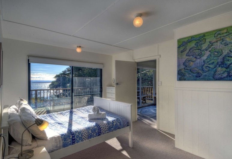 Cove Cottage ~ Between the Hazards & the Sea, Coles Bay