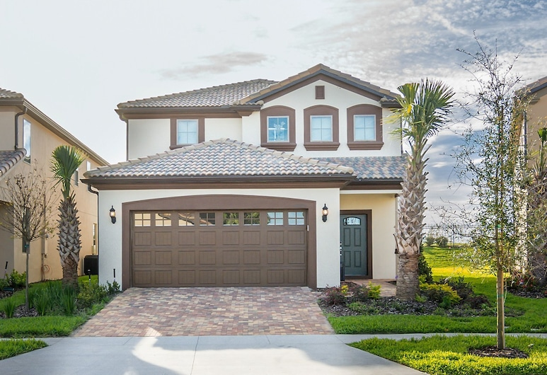 Luxurious Vacation Home at Westside 8973, Kissimmee