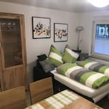 شقة - غرفتا نوم (5) - غرفة معيشة