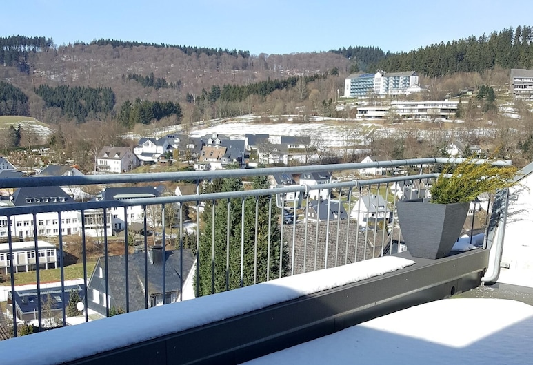 Apartment Foresight. Magnificent View Over the Roofs From the .., Šmallenberga, Balkons