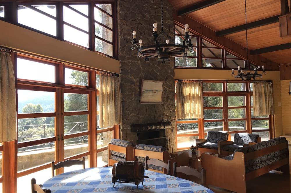 Standard Suite (Sem Lareira) - Living Area