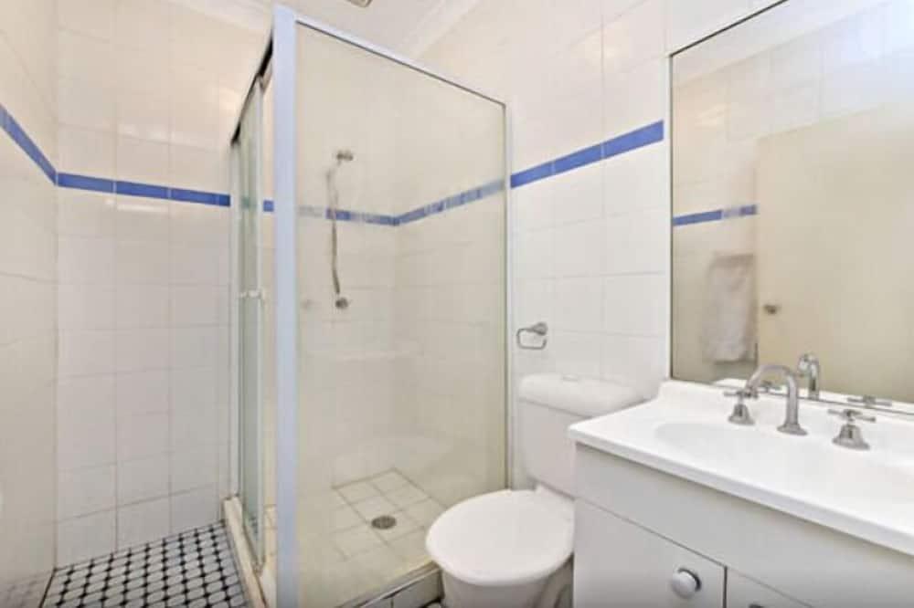 Одномісний номер, спільна ванна - Душ