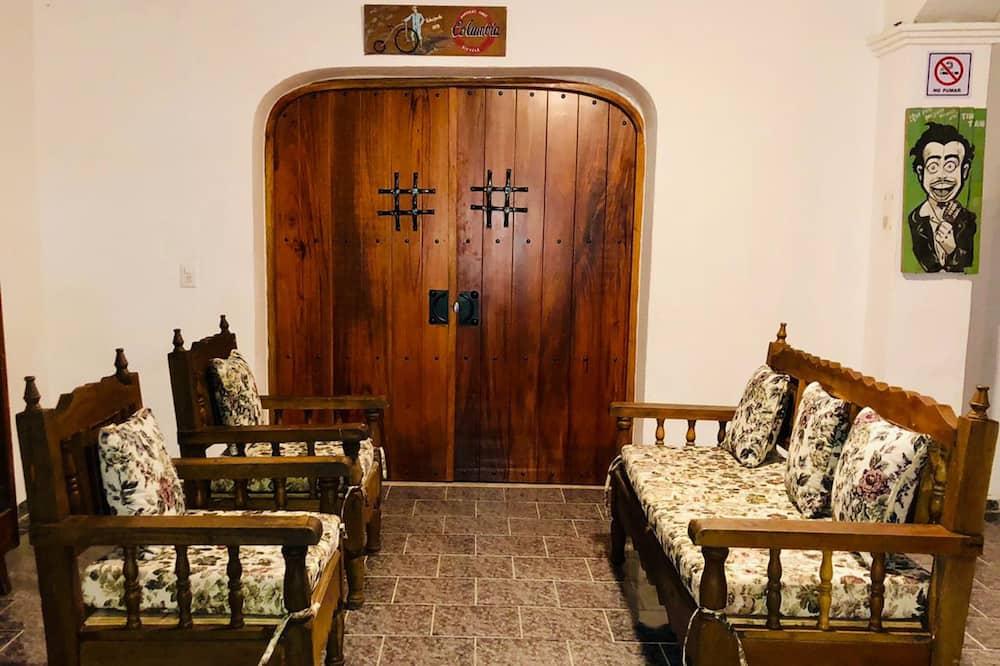 Cama Individual Habitacion Compartida Mixta - Wohnzimmer