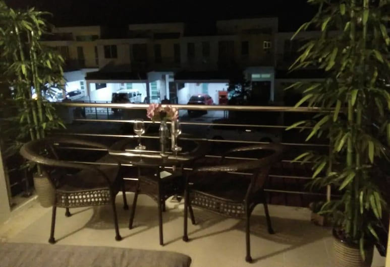 Co. Living Suite, Bandar Seri Begawan, Balcony