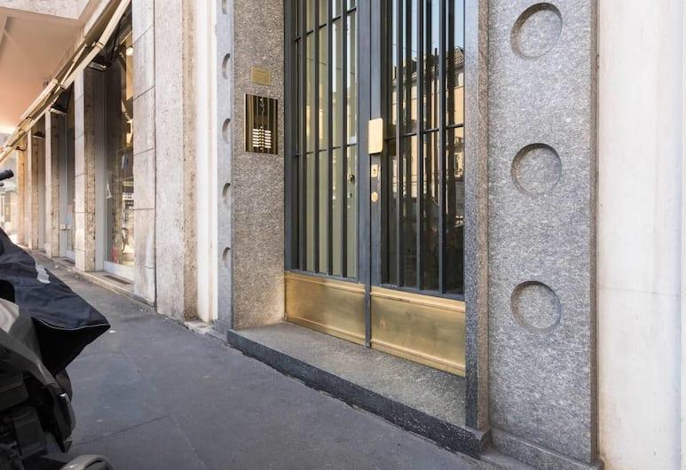 聖克洛斯辛頓酒店, 米蘭, 住宿入口