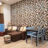 Comfort Apartment, Balcony (Jungle) - Living Area