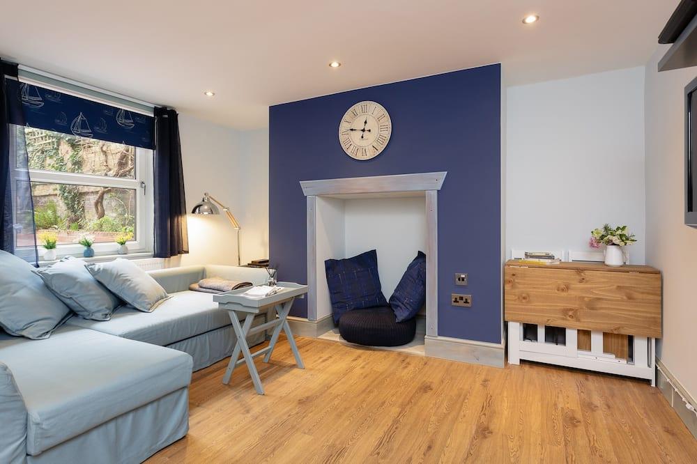 Luxury Apartment, Hot Tub, Garden View (Stopover Albany Garden) - Lounge