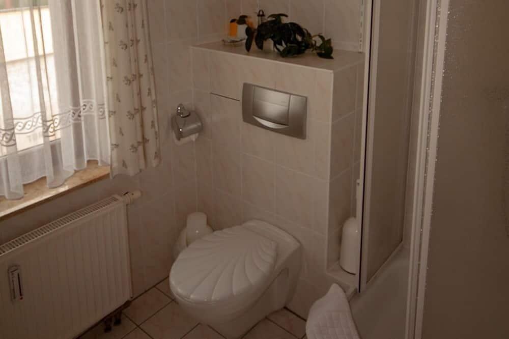Family Suite, Ensuite, Courtyard View - Bathroom