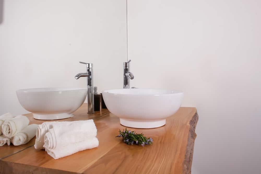 都會公寓, 海景 - 浴室