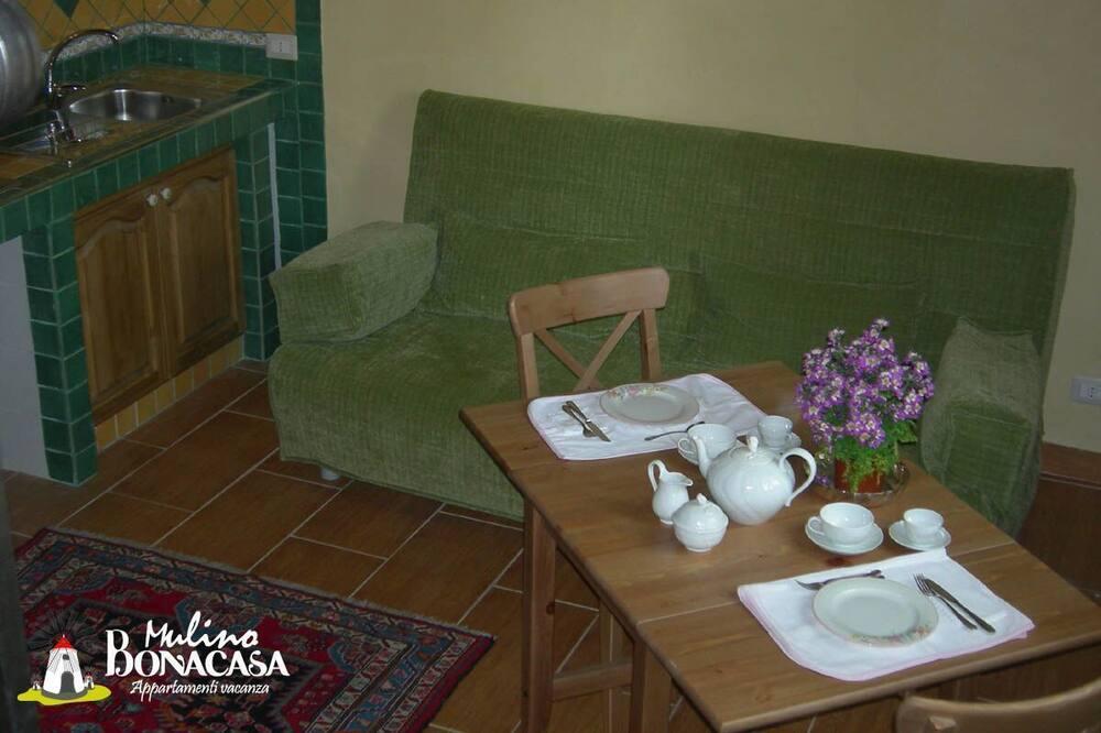 Premium Duplex, 1 Bedroom - In-Room Dining