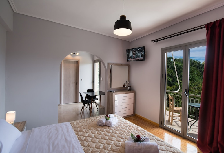Magicians Apartments, לפקדה, דירה דה-לוקס (2 Adults), חדר