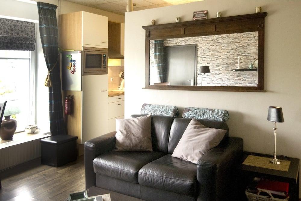 Phòng tiện nghi đơn giản, Quang cảnh kênh - Khu phòng khách