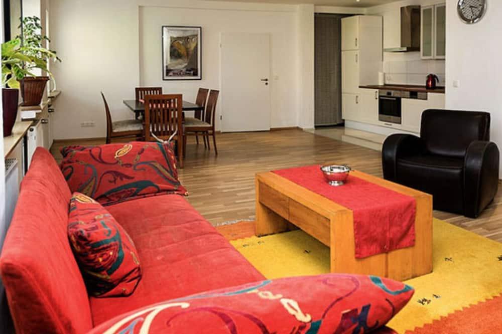 Apartment 1, 2 Bedrooms - Obývací prostor