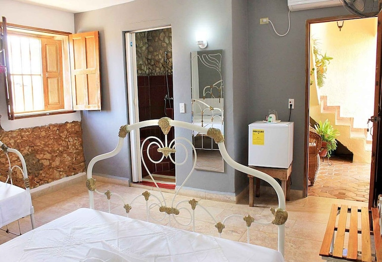 Hostal Colonial Casa Vieja Trinidad, Trinidad, Comfort Quadruple Room, 2 Katil Ratu (Queen), Accessible, City View, Bilik Tamu