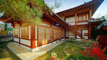 Enter your dates for our Jeonju last minute prices