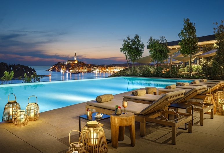 Grand Park Hotel Rovinj, Rovigno, Bar a bordo piscina