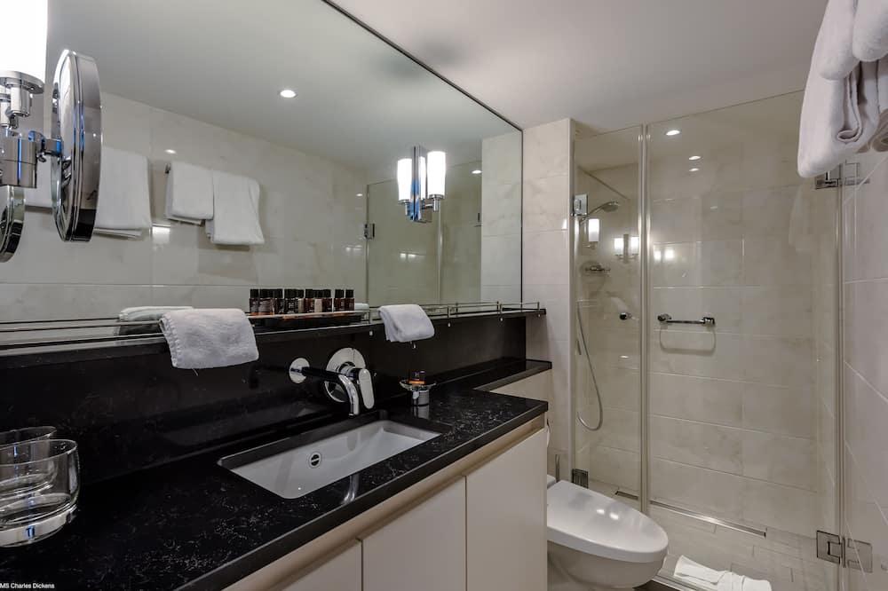 Habitación empresarial con 1 cama doble o 2 individuales, vista al río - Baño