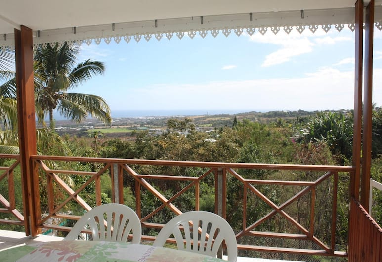 House With one Bedroom in Saint Paul, With Wonderful sea View, Enclosed Garden and Wifi - 6 km From the Beach, Saint-Paul