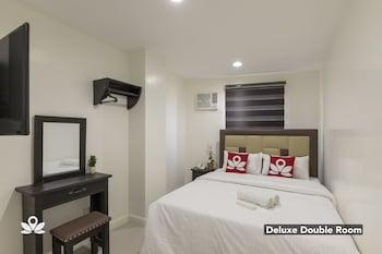 Picture of ZEN Rooms Triangle Hotel Manila in Manila