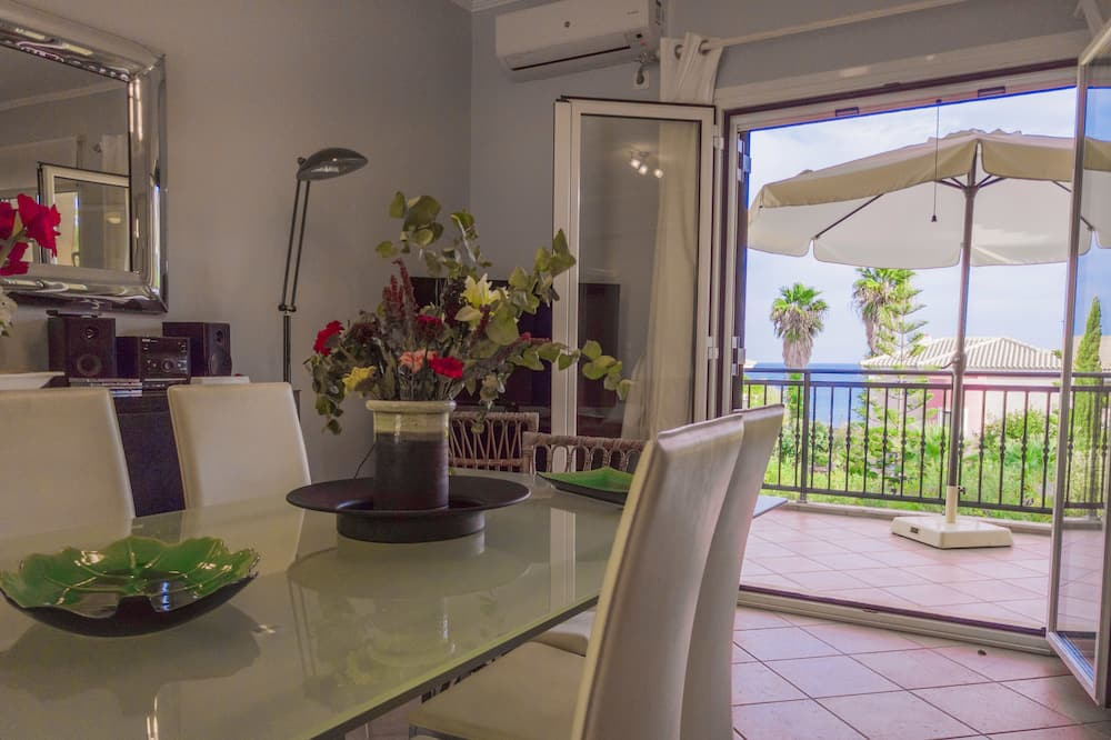 Lägenhet Deluxe - 3 sovrum - havsutsikt (Odysseus Upper) - Vardagsrum