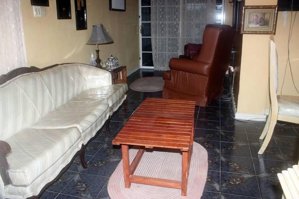 Külaliskorter, 2 kahevoodit (DREAM VACATION ST CATHERINE JAMAICA -) - Lõõgastumisala