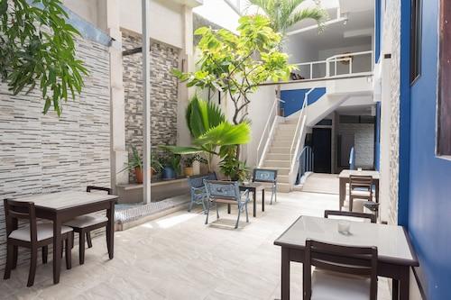 名人酒店/
