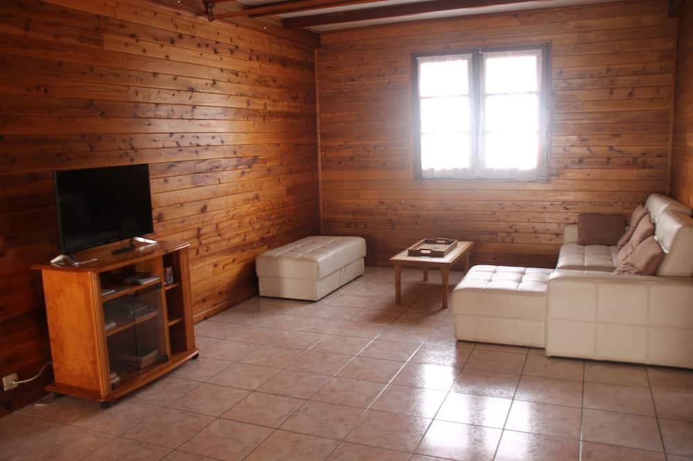 Family Bungalow, Non Smoking, Partial Ocean View - Living Area