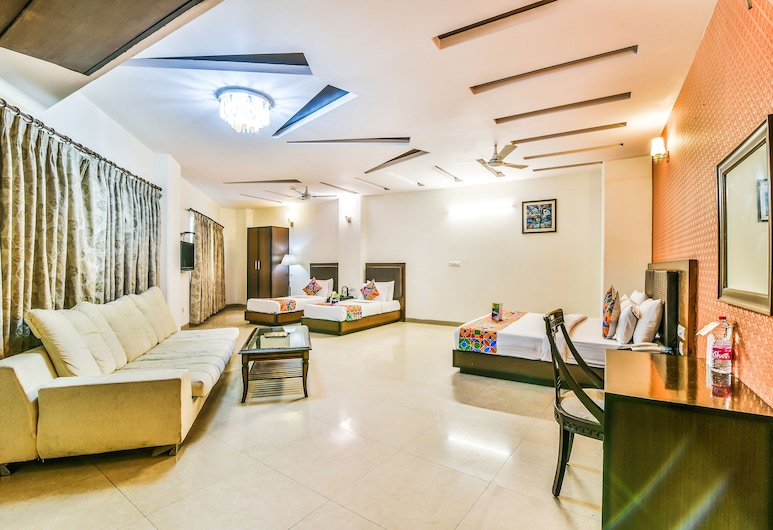 FabHotel Alpine Tree, New Delhi, Suite, 1 King Bed, Non Smoking, Guest Room