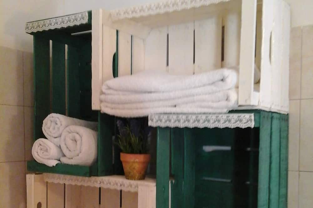 Family Σπίτι, Περισσότερα από 1 Κρεβάτια, Καπνιστών, Θέα στον Κήπο - Μπάνιο