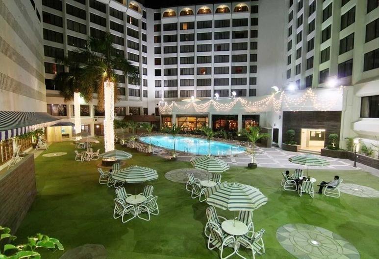 Regent Plaza Hotel & Convention Centre, Karachi, Zona para banquetes (exterior)