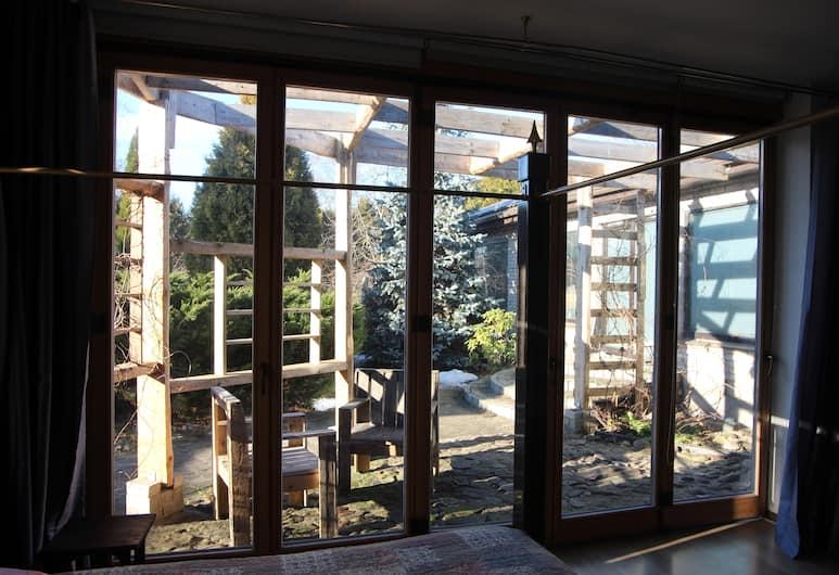 Champetre StudioS, Riga, Exclusive Studio Suite, Multiple Beds, Accessible, Garden View (Sofia), Garden View