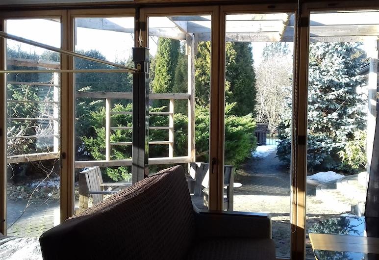 香佩特雷 S 開放式公寓飯店, 里加, 尊爵開放式套房, 多張床, 無障礙, 花園景觀 (Sofia), 花園景觀