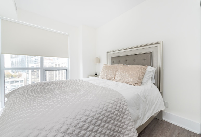 Toronto Rooms and Suites (300 Front St), Toronto, Luxury Condo, Multiple Beds, Non Smoking (29), Room