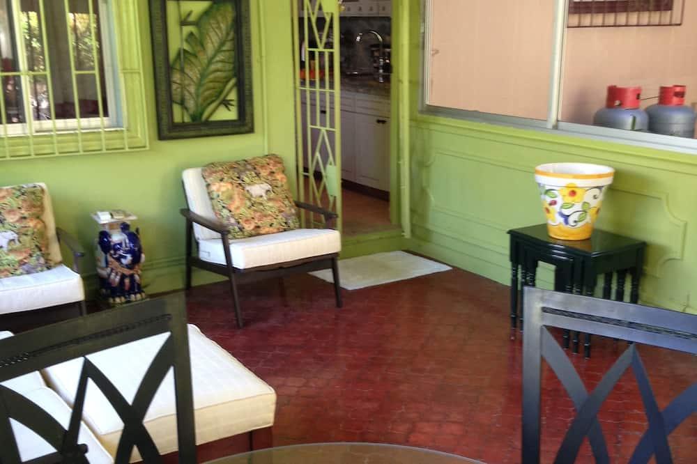 Ferienhaus - Essbereich im Zimmer