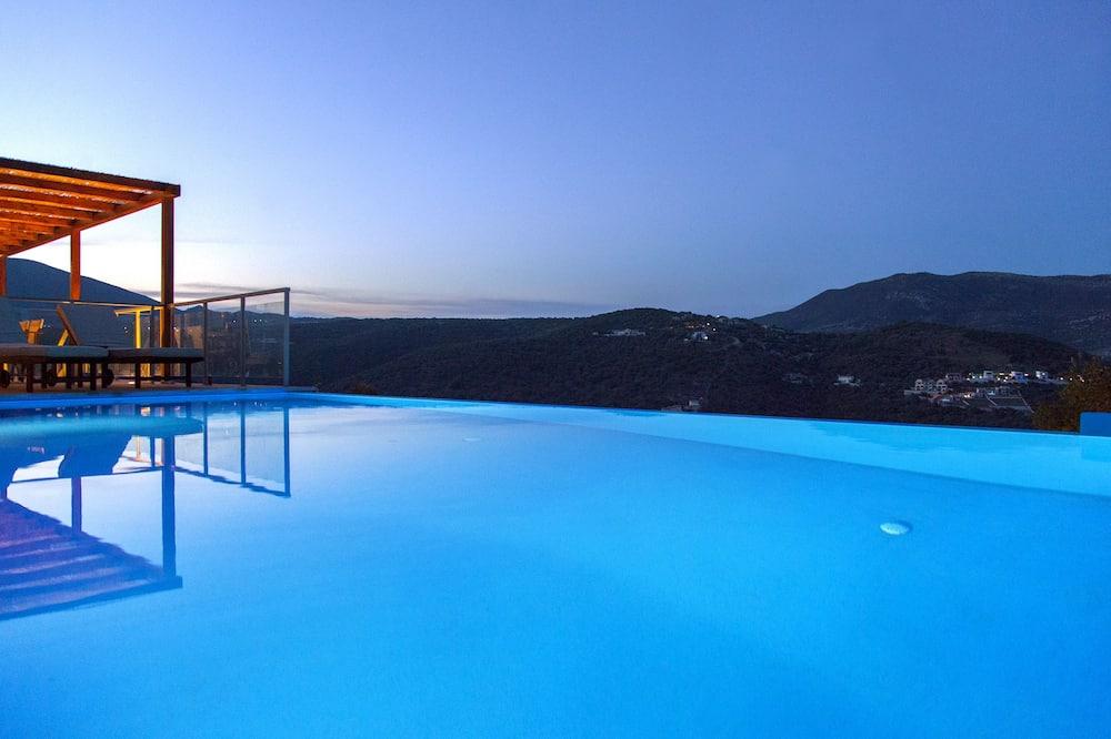 Panoramic-huvila, 4 makuuhuonetta, Tupakointi kielletty, Merinäköala - Yksityinen uima-allas