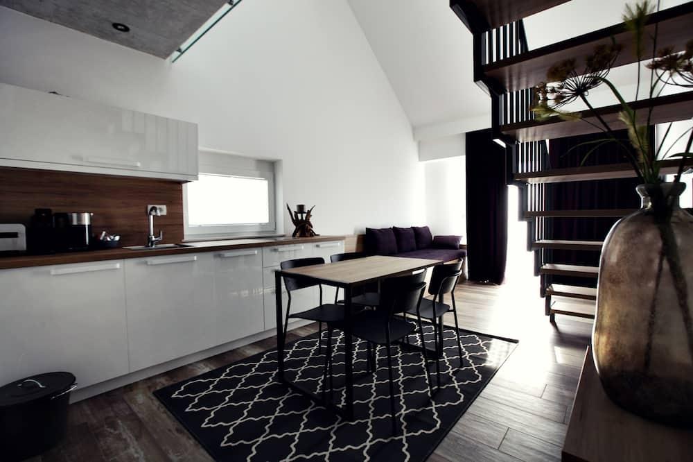 Premium Apartment, Garden View (1) - Living Area