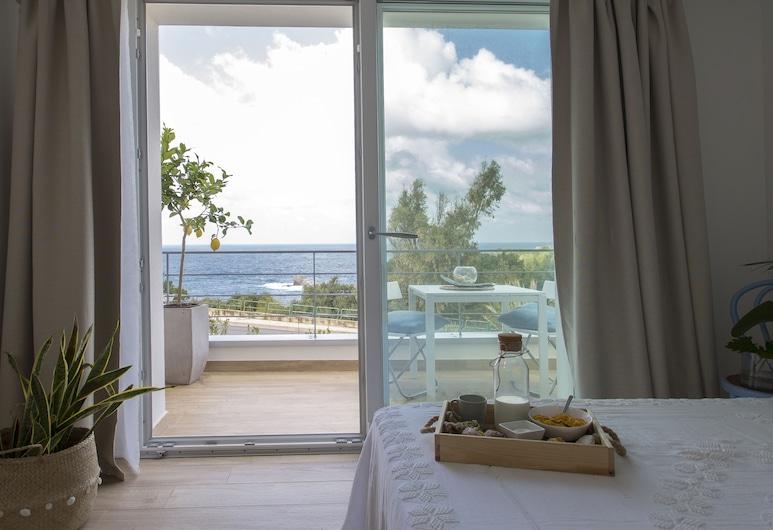 扎巴拉民宿, 泰拉西尼, 豪华双人房, 1 张大床, 海景, 客房