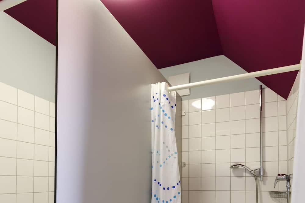 共用宿舍 (in dormitory) - 浴室