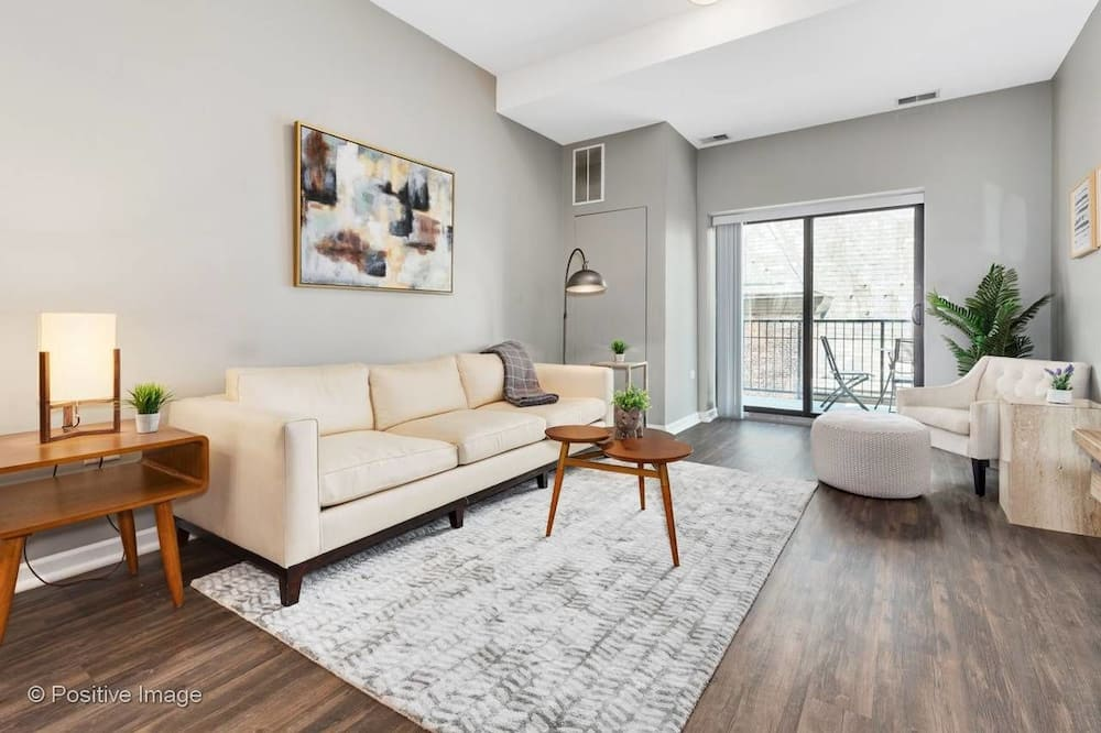 2BR Apt Near Mccormick Place by Domio