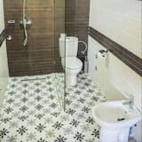 חדר, מיטה זוגית או 2 מיטות יחיד, ללא עישון - חדר רחצה