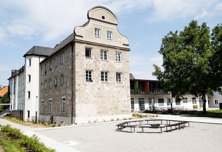 DJH JUGENDHERBERGE BURGHAUSEN, Burghausen