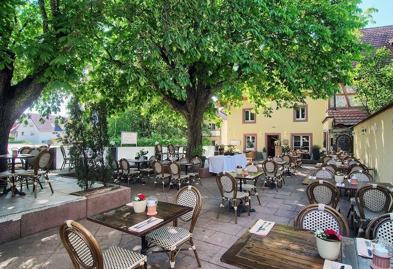 Landgasthof Sonne, Rümmingen, Restaurang utomhus