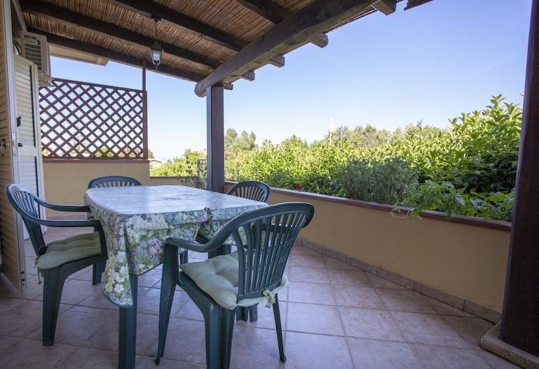 Appartamenti la Conchiglia, Budoni, Apartment, 2Schlafzimmer, Nichtraucher, Terrasse/Patio
